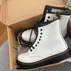 NWT Fashion White Combat Boots🖤!